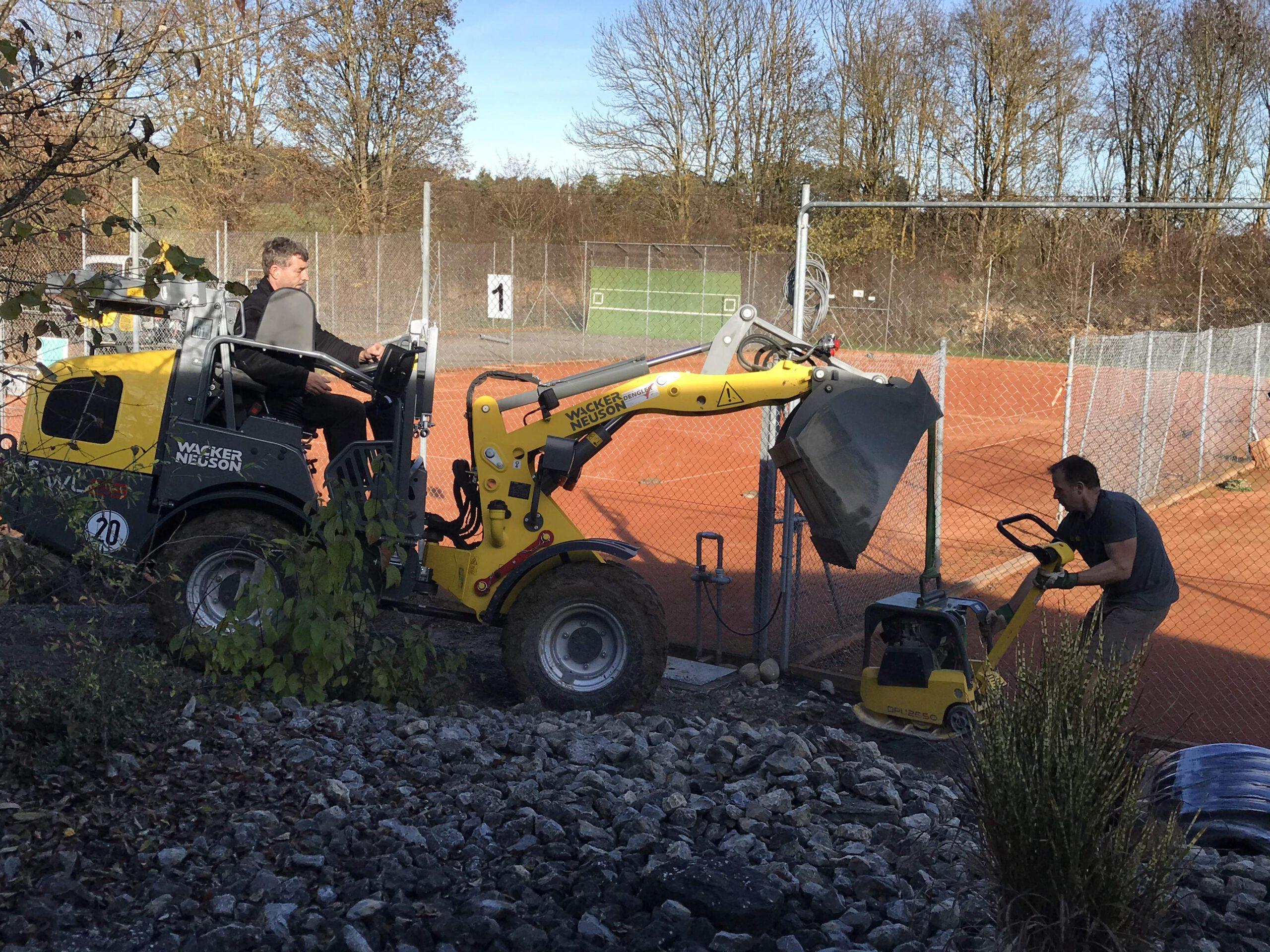 Arbeitseinsatz auf der Tennisanlage